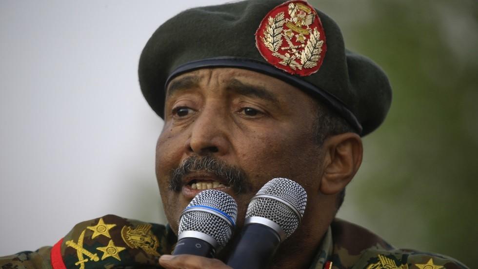 البرهان: قوى الحرية والتغيير وأطراف الثورة الأخرى في السودان شركاء في التغيير