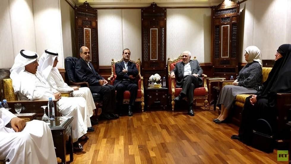 ظريف يبحث في الكويت ضرورة التعاون بالخليج