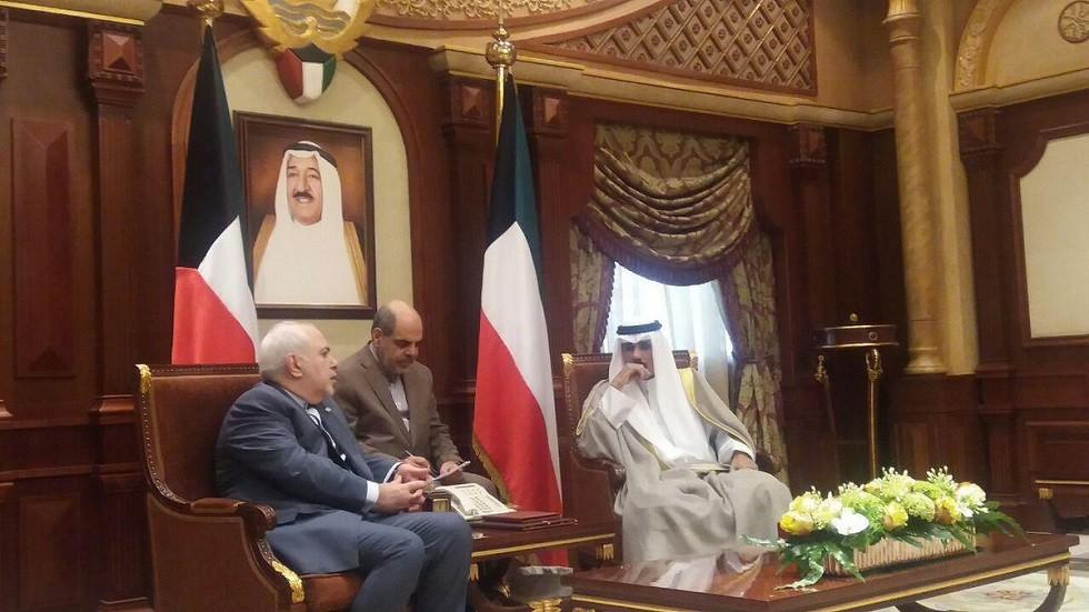 ظريف يؤكد في الكويت على المقترح الإيراني لتوقيع معاهدة عدم اعتداء مع دول الخليج