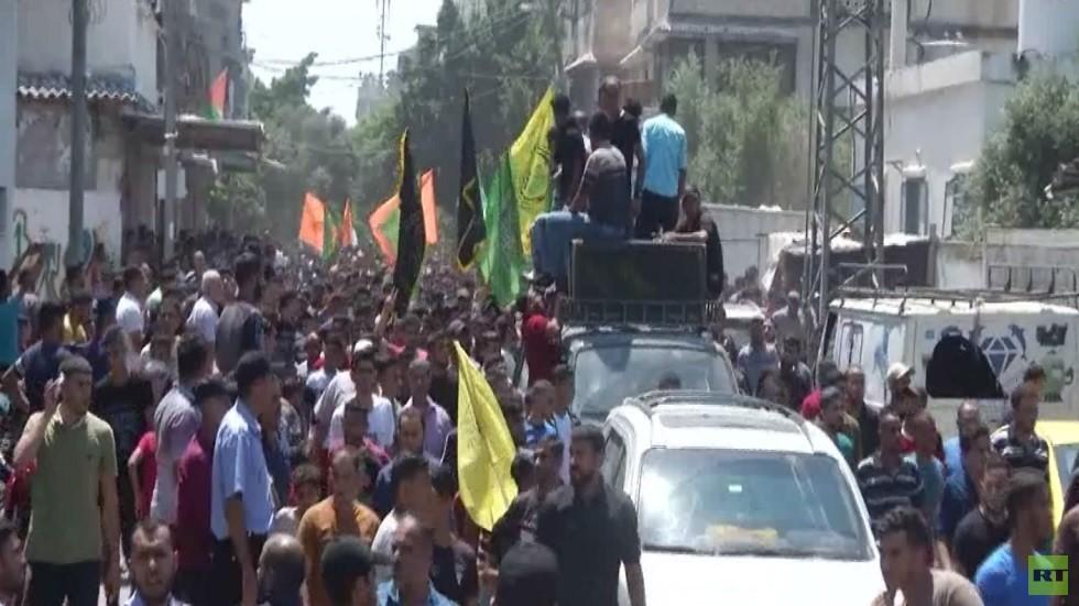 الفلسطينيون في غزة يشيعون قتلاهم