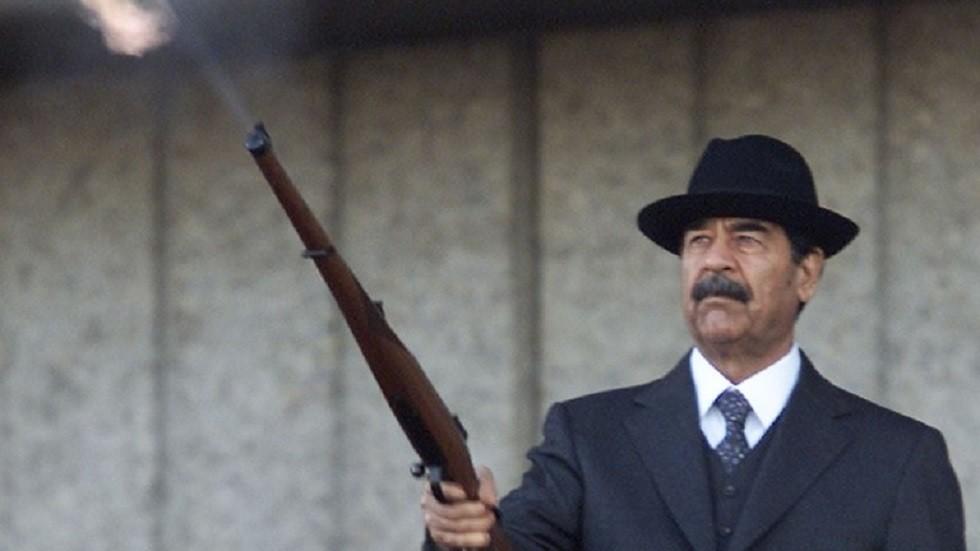 الرئيس العراقي السابق صدام حسين