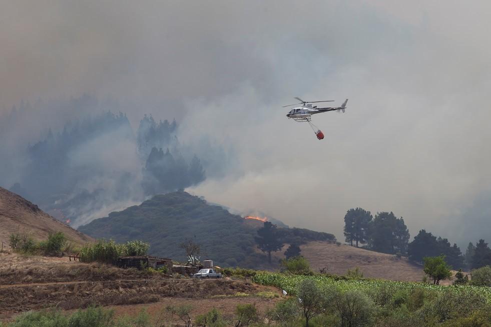 إجلاء 4 آلاف شخص من كبرى جزرالكناري بسبب حرائق الغابات