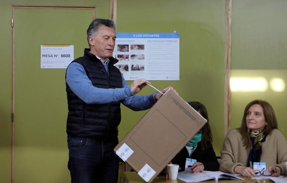 الرئيس الأرجنتيني ماوريسيو ماكري يشارك في الانتخابات الأولية