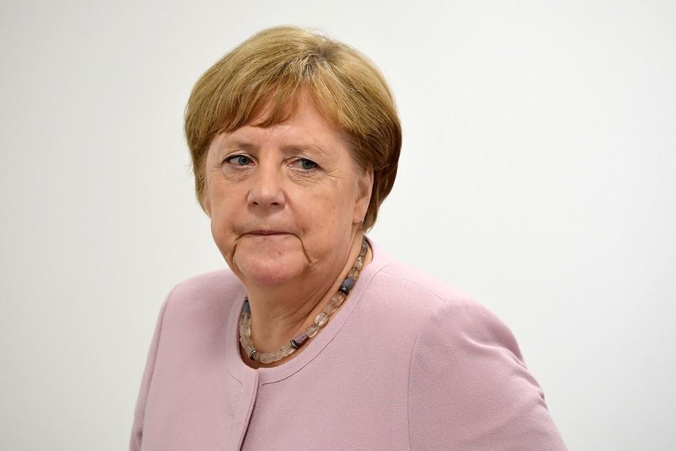 ميركل: برلين مستعدة لكل تبعات