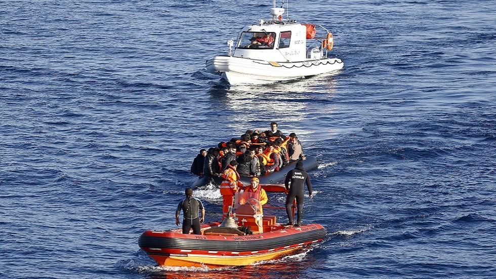 خفر السواحل التركي يضبط 400 مهاجر في يوم واحد