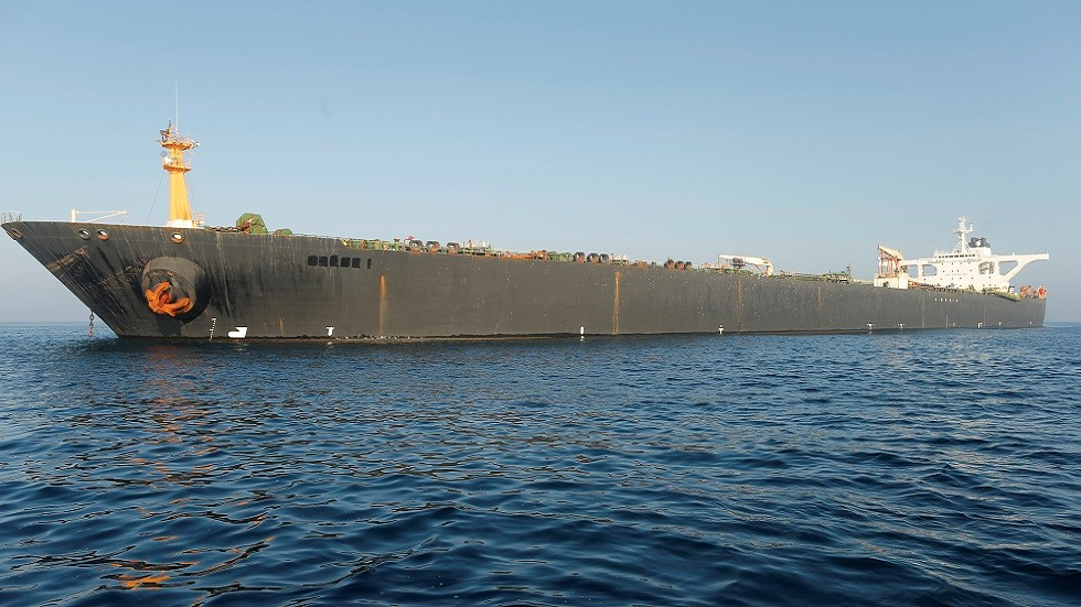 تحذير أمريكي لليونان بشأن الناقلة الإيرانية