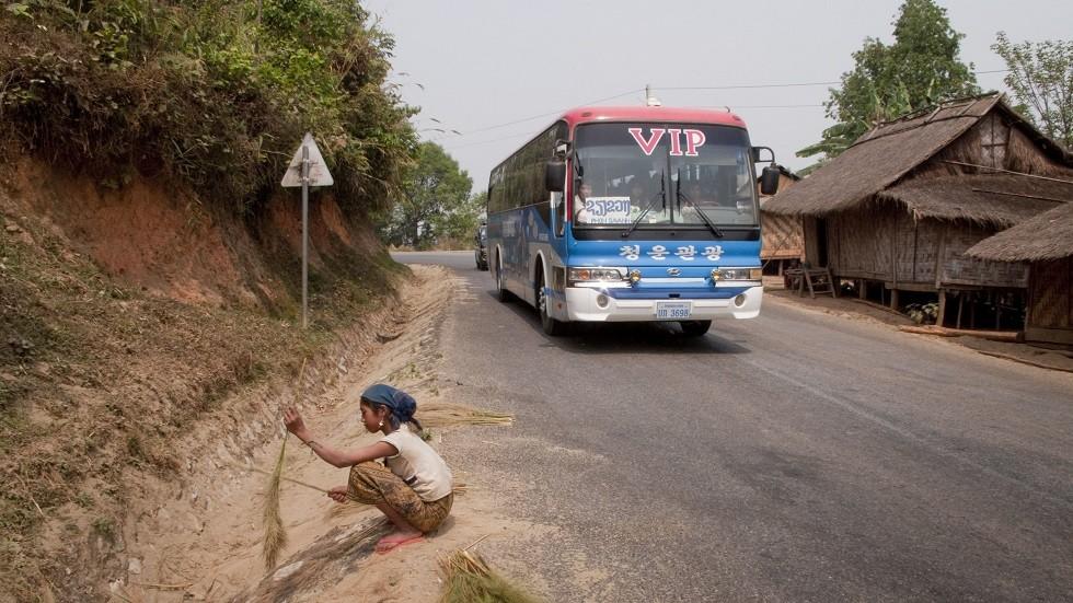 مصرع 13 سائحا صينيا بحادث سير في لاوس
