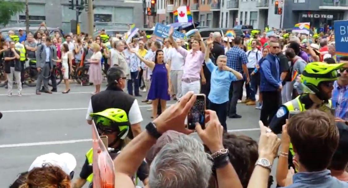 مونتريال.. رئيس وزراء كندا يشارك في مسيرة المثليين (فيديو)