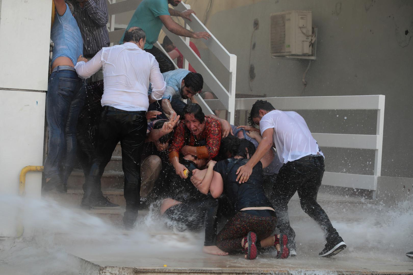 مواطنون أتراك في جنوب شرقي البلاد