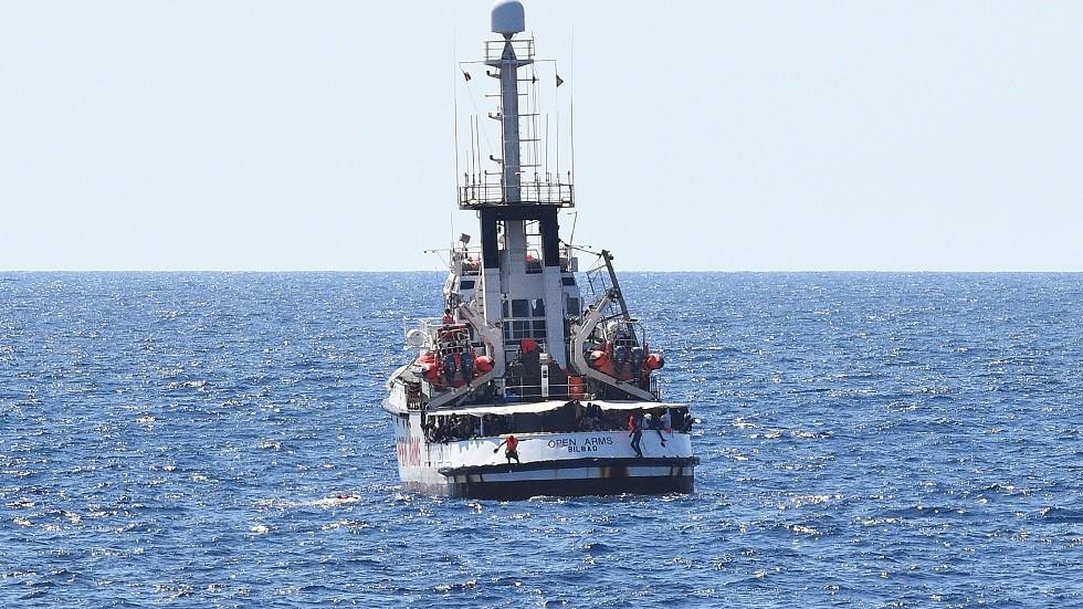 سفينة Open Arms لإنقاذ المهاجرين