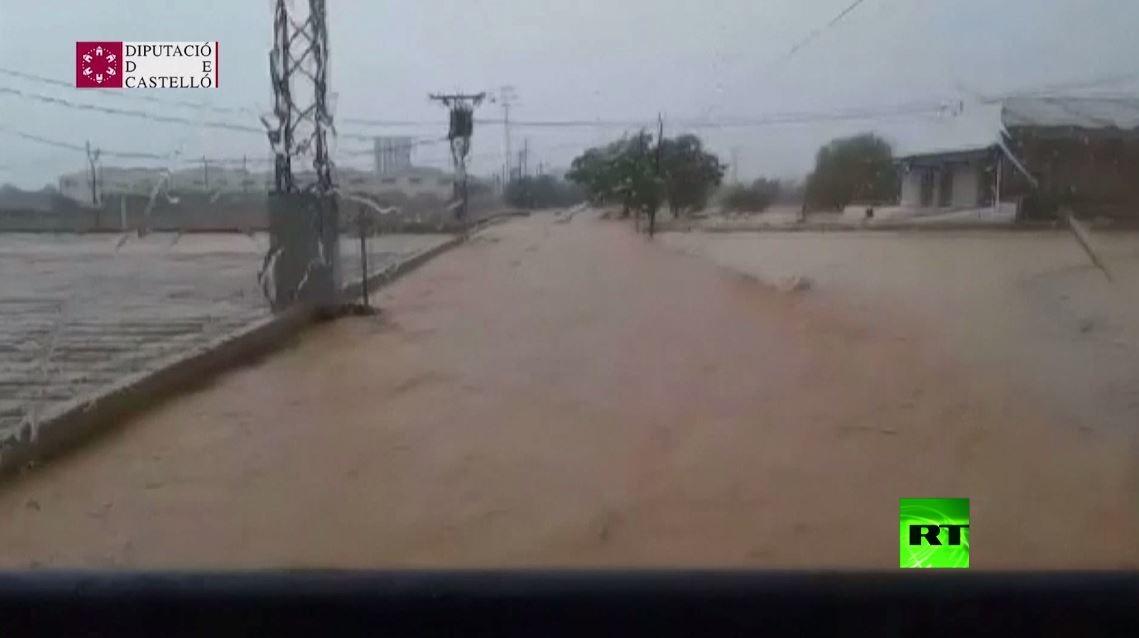 شاهد.. فيضانات عارمة تجتاح إسبانيا
