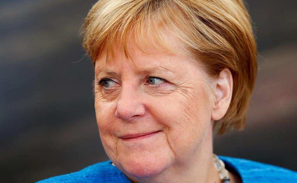 صحيفة: ميركل باستقبال اللاجئين صنعت معجزة الاقتصاد الألماني القادمة
