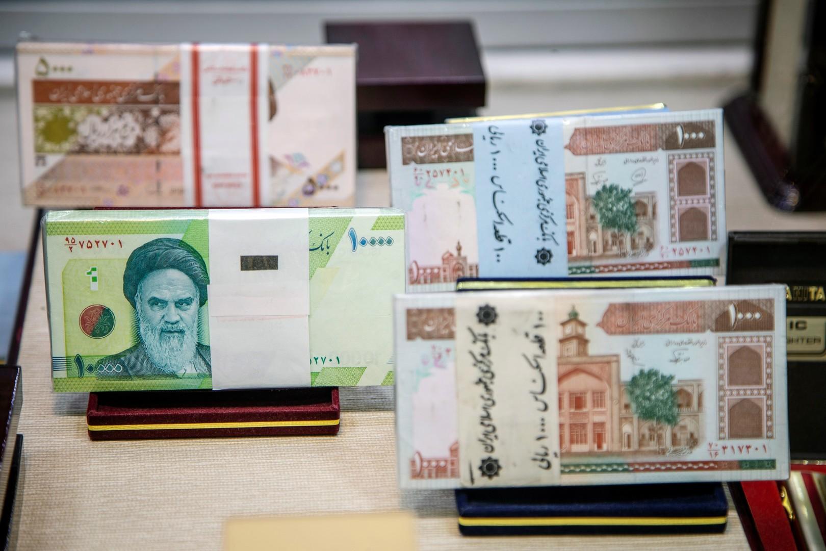 إيران تحذف 4 أصفار من عملتها