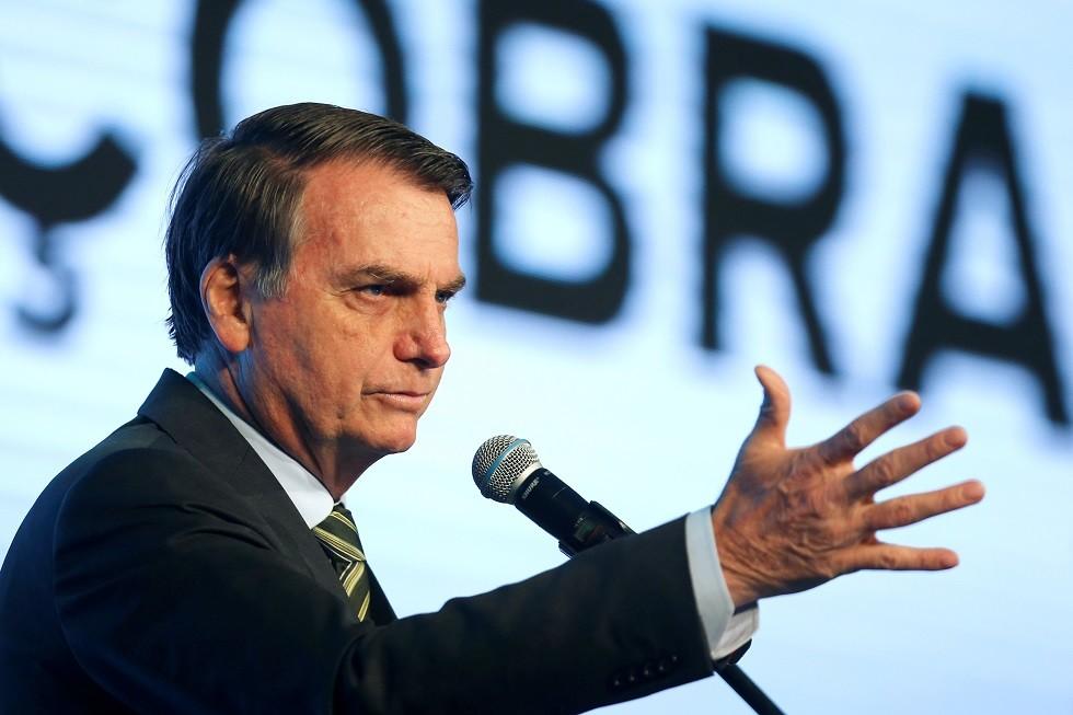 الرئيس البرازيلي يتهم منظمات غير حكومية بإحراق غابات الأمازون