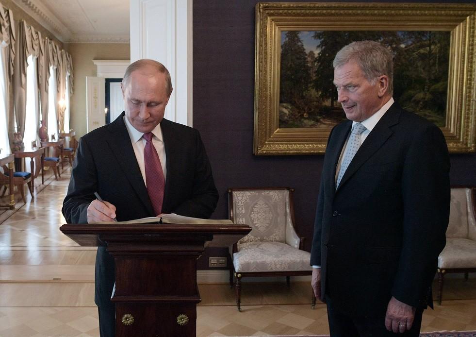 بوتين يجيب على سؤال يؤرق الصحفيين دائما