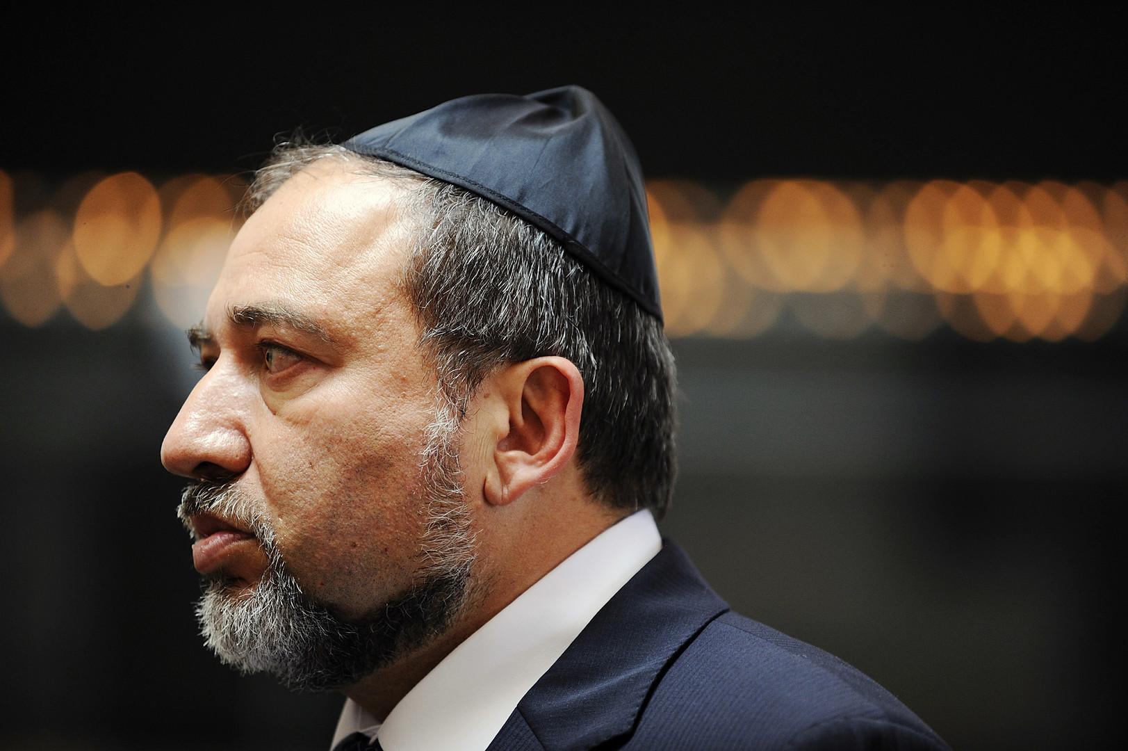 الإعلام الإسرائيلي: حكومة نتنياهو المقبلة قد تضم ليبرمان