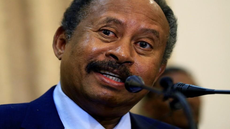 ناشطة يمنية حائزة على نوبل للسلام توجه نداء عاجلا إلى رئيس الوزراء السوداني الجديد