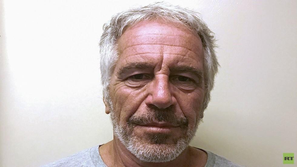 صحيفة: إبشتاين قال إنه تعرض لاعتداء في زنزانته ومسؤولون رفضوا عمدا تعليمات بشأنه