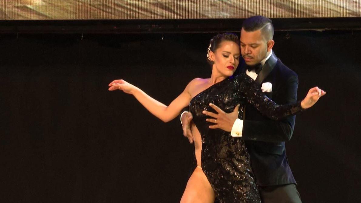 شاهد بالفيديو.. مسابقة رقص التانغو الدولية في الأرجنتين