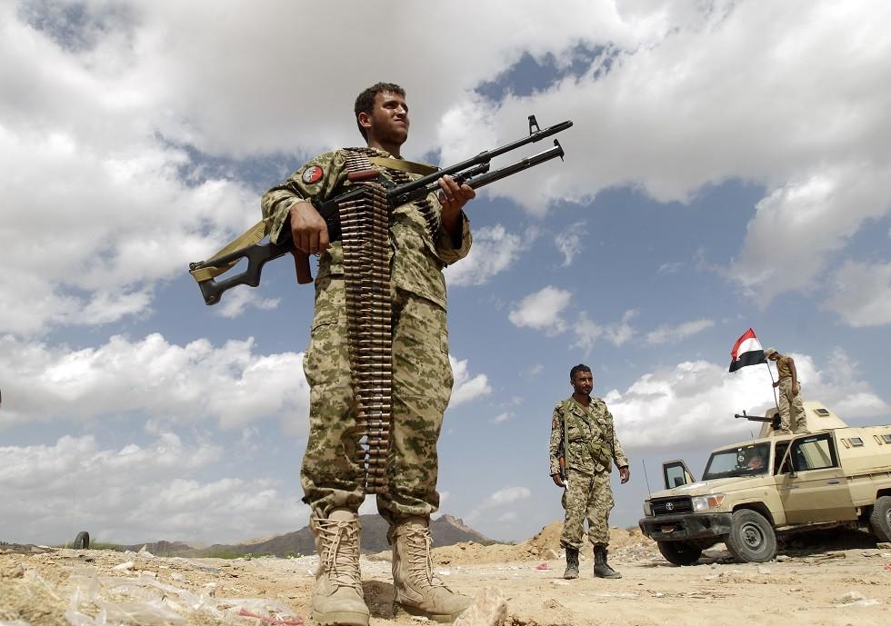 اليمن.. قتلى وجرحى في اشتباكات بين القوات اليمنية و