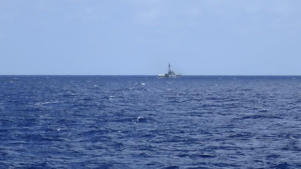 فرقاطة تابعة للبحرية الصينية في بحر الصين الجنوبي