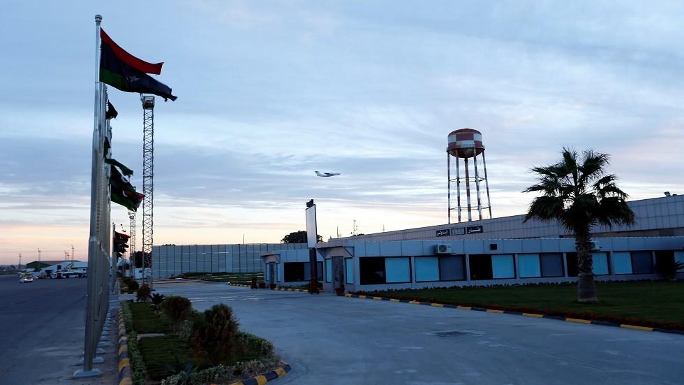 ليبيا.. مطار معيتيقة يستأنف عمله بعد توقفه جراء تعرضه لقصف عشوائي