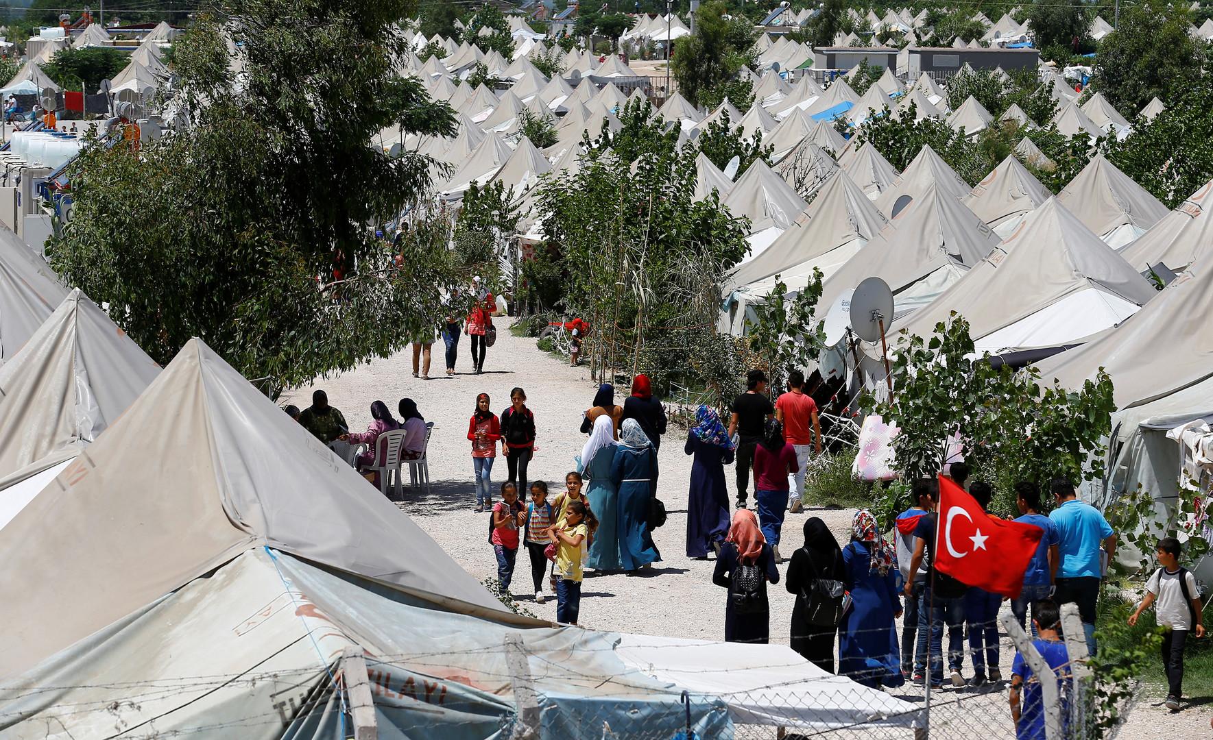 أنقرة تعلق على تقارير إعلامية حول عزمها ترحيل اللاجئين السوريين