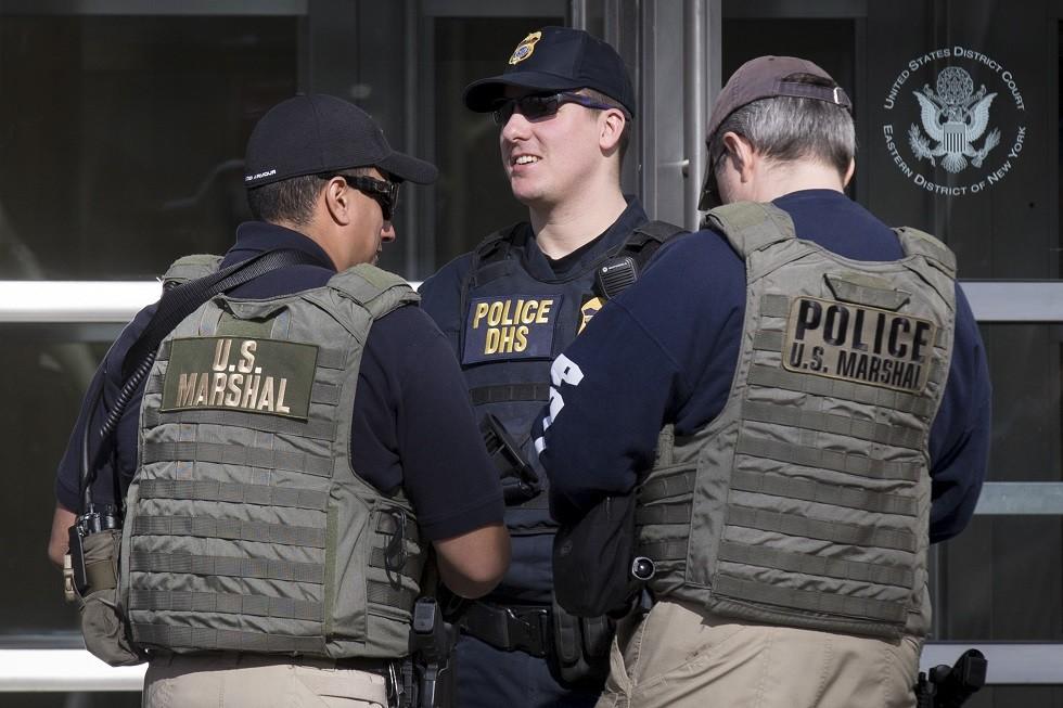 قوات أمن أمريكية أمام محكمة بروكلين الفدرالية