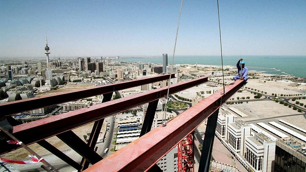 عامل بناء في الكويت (أرشيف)