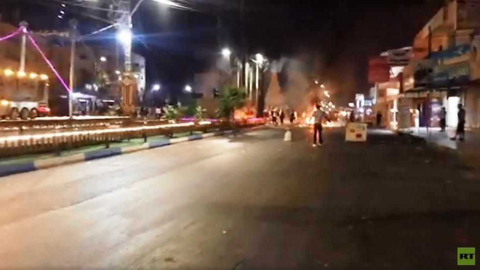 الأردن.. اشتباكات بين متظاهرين وقوات الأمن في مدينة الرمثا الحدودية مع سوريا (فيديو)