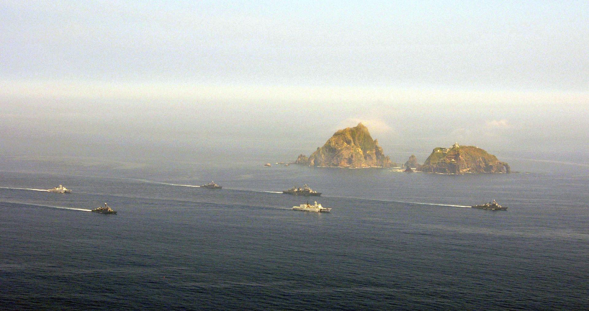 سفن كورية جنوبية قرب جزر دوكدو