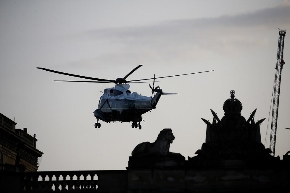 مروحية ترامب تحط في حديقة قصر باكنغهام في لندن، بريطانيا، 3 يونيو 2019