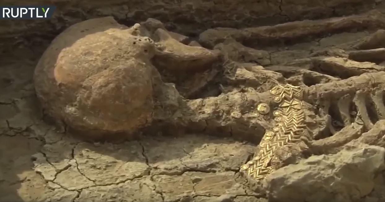 اكتشاف سرداب من القرن الخامس يحوي رفات عائلة محارب قديم