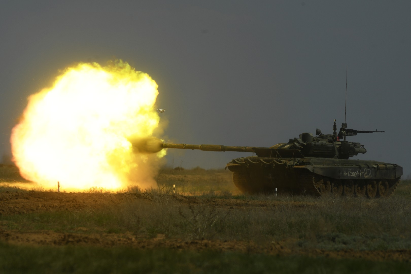 دبابة تي-90 الروسية