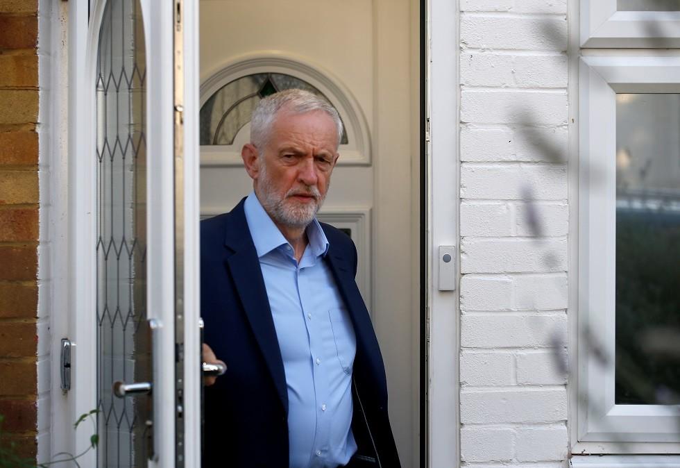 زعيم حسب العمال البريطاني جيريمي كوربين
