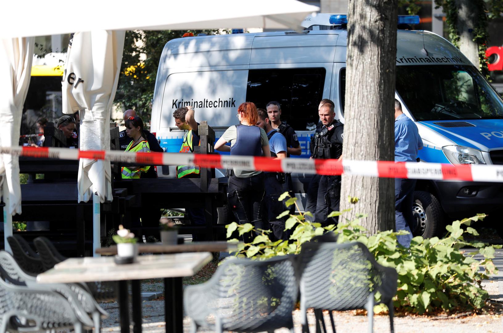 محققون في مكان الجريمة في برلين