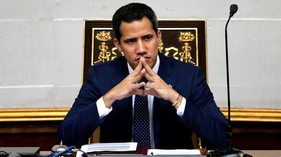 المعارضة الفنزويلية تشكل حكومة موازية في البلاد