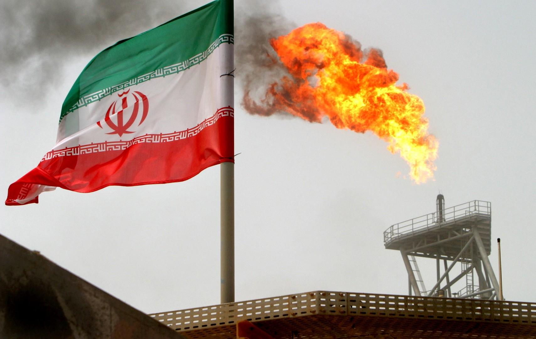 المركزي الإيراني: المفاوضات مستمرة مع باريس لرهن النفط مقابل 15 مليار دولار