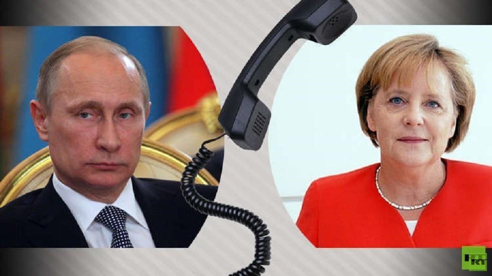 بوتين يبحث مع ميركل ملفات أوكرانيا وسوريا وليبيا