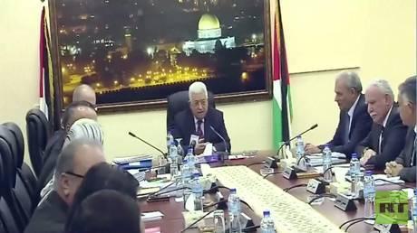 ترحيب شعبي فلسطيني بقرارات الرئيس عباس