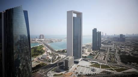 رصد 5 تصرفات متهورة يرتكبها سائقو سيارات الأجرة في أبو ظبي