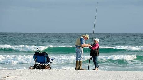 زوجان أمريكيان يصطادان أغرب سمكة على الإطلاق