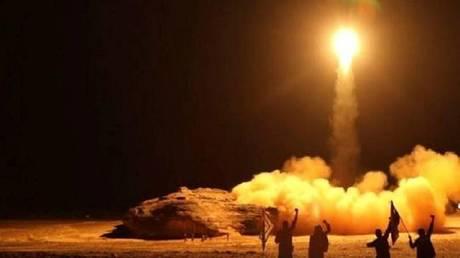 السعودية تعترف بسقوط قذيفة معادية على مطار أبها الدولي