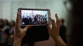 حظر الهواتف الذكية في المدارس الروسية