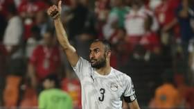 أستون فيلا يمدد عقد المصري المحمدي