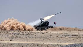 الجيش السوري يعلن صد هجوم إسرائيلي في سماء دمشق وإسقاط معظم