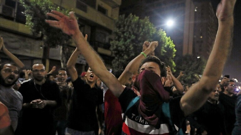 مصر.. نيابة أمن الدولة تقرر حبس 136 متهما بالتظاهر