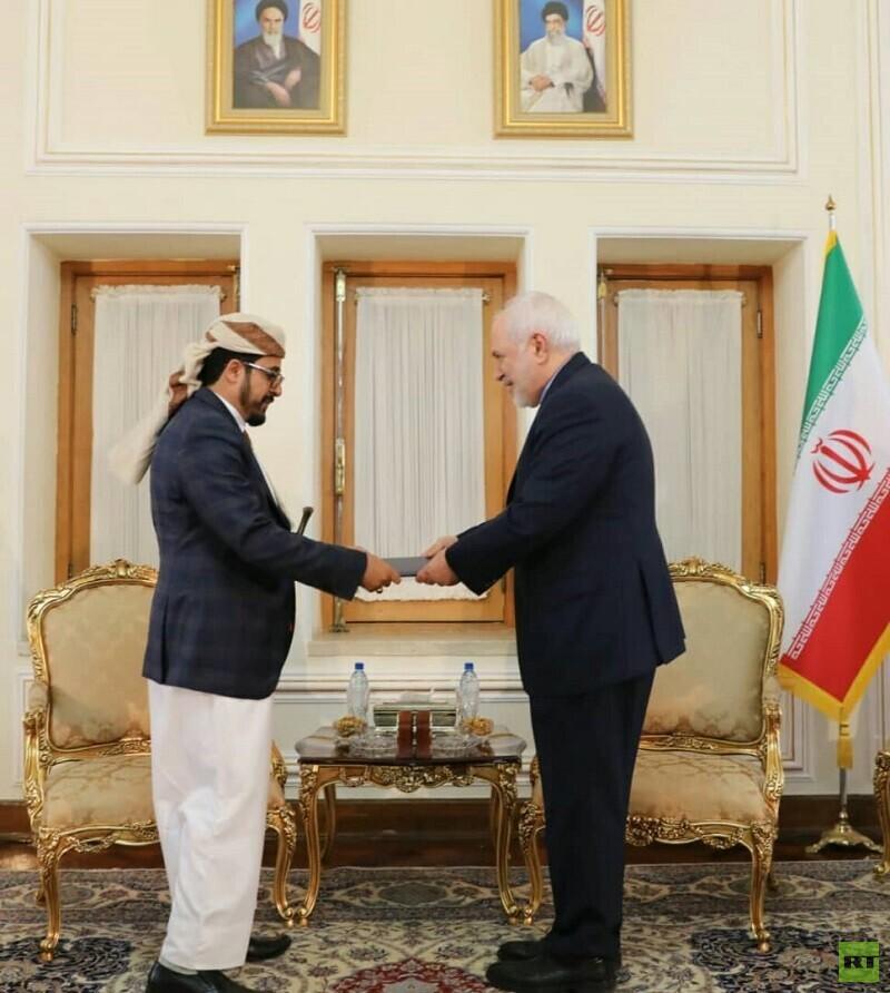 ظريف يتسلم أوراق اعتماد سفير صنعاء في طهران (صورة)