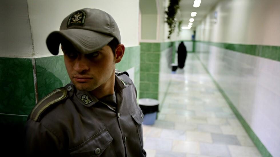 إيران تعتقل منشدين دينيين بتهمة