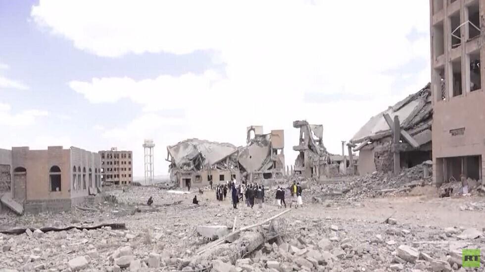 مقتل 100 شخص بقصف للتحالف على سجن ذمار